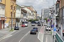 Chodníky v centru města přes léto čeká rekonstrukce.