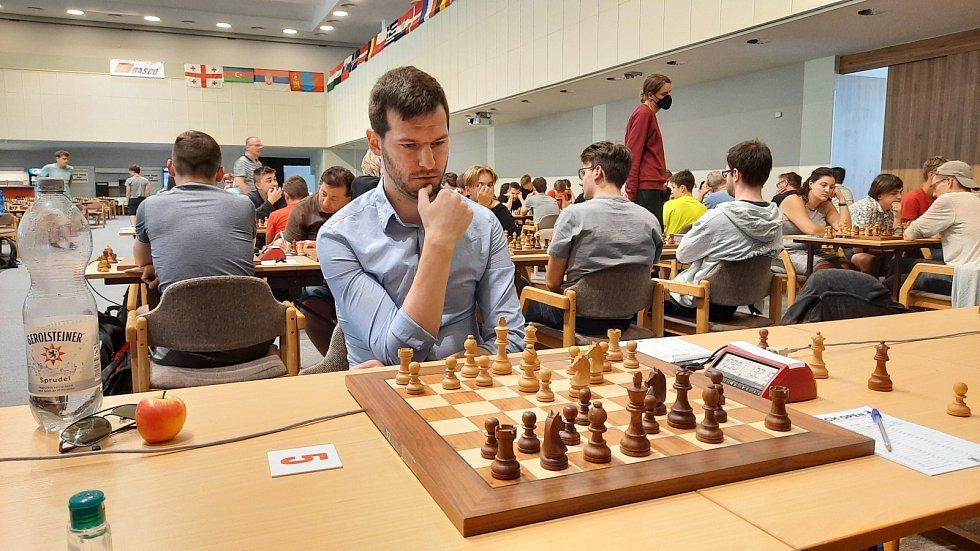 Synonymem pro šachy je přemýšlení.