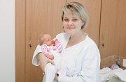 ANEŽKA CHOUROVÁ se narodila 27. září V 8 hodin a 53 minut. Měřila 51 centimetrů a vážila 3590 gramů. Rodiče Denisa a Jaroslav bydlí v Miřeticích a doma na ně čeká dvaapůlletý Vítek.