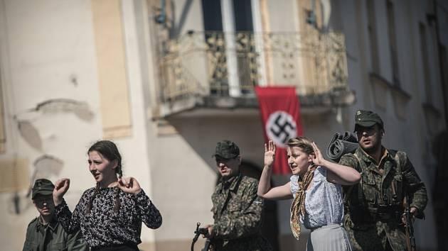 Na západ! Ústup německých vojsk i civilistů přes východní Čechy v podání klubů vojenské historie připomínají konec války v roce 1945.