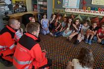 Devítiletá Saša z Úval obdržela od záchranářů poděkování.