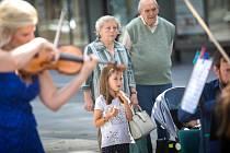 Filharmonie v ulicích