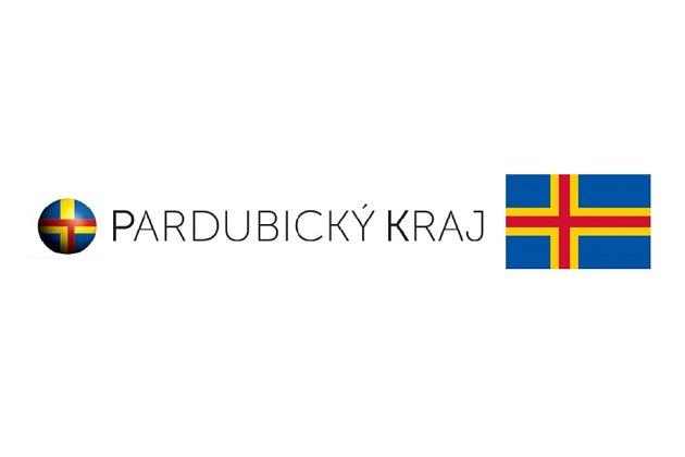 Logo Pardubického kraje kontra vlajka souostroví Ålandy.