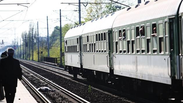 Nástupiště Pardubice - Pardubičky bylo v pondělí svědkem další sebevraždy.