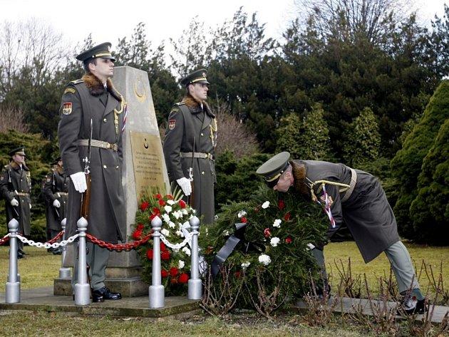 Na 580 tureckých vojáků je pohřbených na pardubickém hřbitově. Jejich památku uctili představitelé města i zástupci tureckého státu