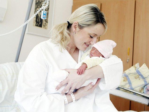 Eliška Vařečková se narodila 30. dubna ve 20:51 hodin. Vážila 2280 gramů. Maminku Janu u porodu podpořil tatínek Lukáš. Rodina je doma v Hradci Králové.