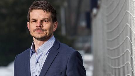 Sportovního ředitele Jiří Sabou. Do hradeckého klubu vnesl novou energii a impuls.