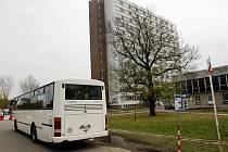 Na zastávce Univerzita se teď nějakou dobu autobusu nedočkáte.