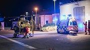 Těžká nehoda u Holic. Řidič s osobním automobilem se čelně střetl s míchačkou.