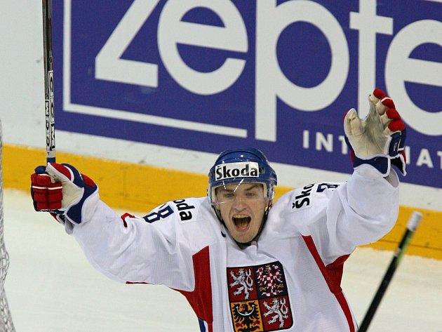 Radost Jana Bulise ve čtvrtfinále s Ruskem na mistrovství světa 2006 konaném v lotyšské Rize. S Českou reprezentací nakonec získal stříbrnou medaili.