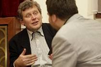Miroslav Hanuš, režisér inscenace pražského Divadla ABC Pan Kaplan má třídu rád (2010)