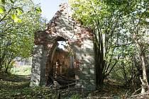 Kaplička Nejsvětější trojice v Pardubicích - Svítkově.