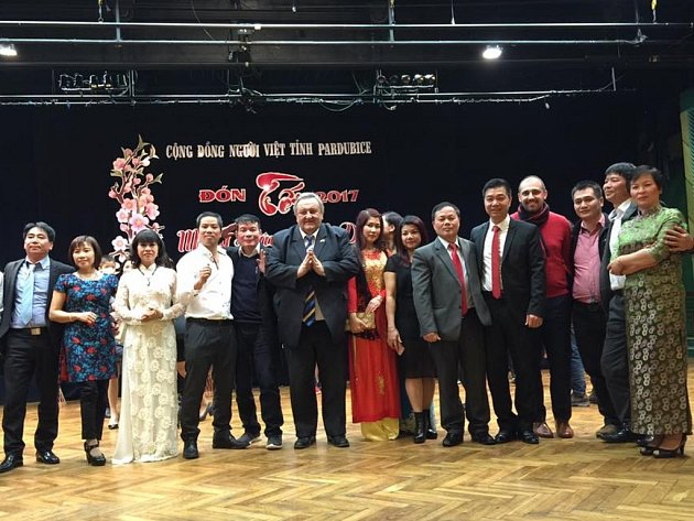 Vietnamci prý mají problém získat víza pro pobyt v Česku