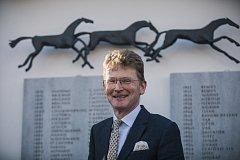 Nick Archer, velvyslanec Velké Británie v České republice.