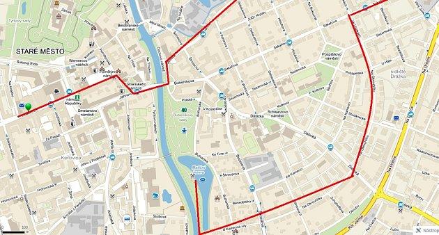 Takhle vypadala na mapě trasa velkého pronásledování fenky po Pardubicích.
