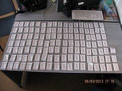 Léky určené k výrobě pervitinu zadržené cizineckou policií na Orlickoústecku. Celkem 938 tablet.