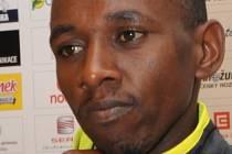 FAVORITÉ.  Wilson Kwambai Chebet (vlevo) je držitelem čtvrtého nejlepšího času v půlmaratonu. Spolu s loňským vítězem Samuelem Mwangi Gichochi patří k favoritům číslo jedna. Jakou práci pro ně vykonají  vodiči ?