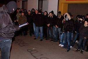 Průvod který prošel městem měl uctít památku zastřeleného Daniela Hejdánka