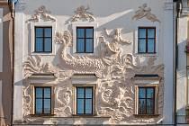 Pardubický kraj chce nechat opravit  historický Dům u Jonáše. Na unikátním domě mají restaurátoři opravit fasády, okna a dveře
