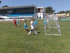 V Pardubicích se konal na Letním stadionu 9. ročník turnaje v dívčí kopané základních škol.