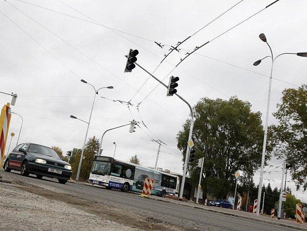 Křižovatka ulic Blahoutova a Na Drážce bude brzy řízena novými semafory
