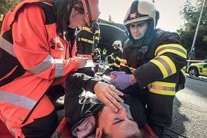 Cvičení Tunel 2018. V hřebečském tunelu cvičili záchranáři na nehodu autobusu se 40 zraněnými.