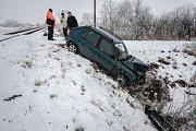 Střet osobního motorového vlaku a auta u Moravan na Pardubicku se naštěstí obešel bez zranění.