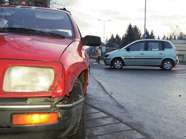 Nehoda na S. K. Neumanna. Srazila se dvě vozidla.