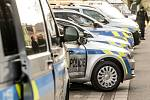 Policie v Pardubickém kraji přebírala nová vozidla