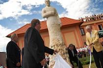 Slavnosti v Sezemicích, odhalení sochy Alfréda Bartoše