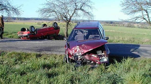 Dopravní nehoda u Nákle