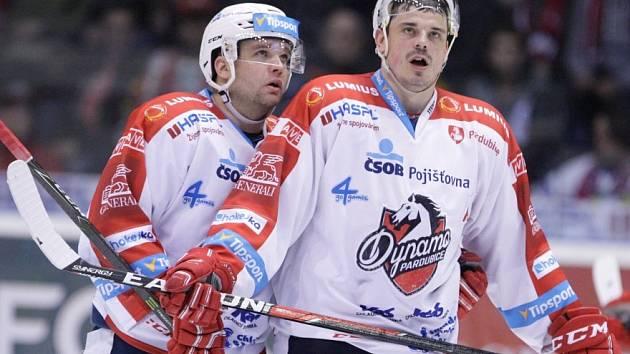 Marek Trončinský (vlevo) a Petr Sýkora v dresu Dynama.