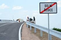 Z nového mostu se nabízí i pěkný výhled na Kunětickou Horu