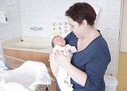 ONDŘEJ VRÁNA se narodil 26. března ve 14 hodin a 50 minut. Měřil 50 centimetrů a vážil 3820 gramů. Maminku Ivu podpořil u porodu tatínek Jan. Rodina bydlí v Pardubicích.
