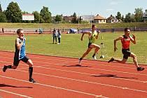 Atletika mládeže v Pardubicích.