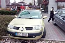 Ve vozidle majitelka převážela tři kozy.