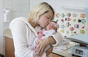 ROZÁLIE ČERMÁKOVÁ se narodila 13. června v 5 hodin a 29 minut. Měřila 50 centimetrů a vážila 3540 gramů. Maminku Adélu u porodu podpořil tatínek Tomáš a bydlí v Chlumci nad Cidlinou.