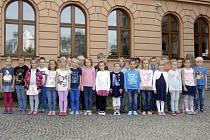 Žáci 1.A ze ZŠ Bratranců Veverkových. Jejich paní učitelkou je Jitka Sedláčková.