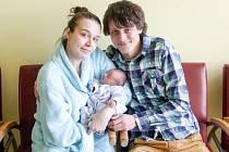 TOMÁŠ JENÍČEK se narodil 18. dubna v 8 hodin a 7 minut. Měřil 47 centimetrů a vážil 2670 gramů. Maminku Anetu podpořil u porodu tatínek Daniel, bydlí v Pardubicích.