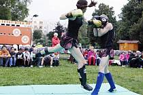 Odpoledne plné sportu a zábavy připravilo na čtvrtek Pardubické letní kino a Macak´s gym Pardubice v Tyršových sadech.