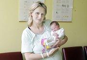 ZUZANA ZIMOVÁ se narodila 30. června v 18 hodin a 41 minut. Měřila 47 centimetrů a vážila 2780 gramů. Rodiče Jitka a Kamil bydlí v Dolních Libchavách.