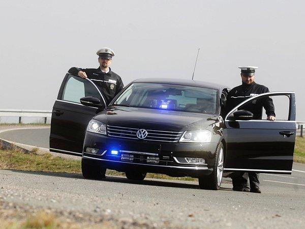 Krajské družstvo pardubické dopravní policie má novou posilu. Speciál VW Passat.