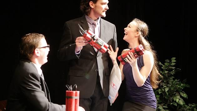 Divadlo tří - Prasklá hřídel u sifonu