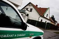 Dům v Nemošické ulici, který kriminalisté několik měsíců sledovali, ukrýval varnu pervitinu