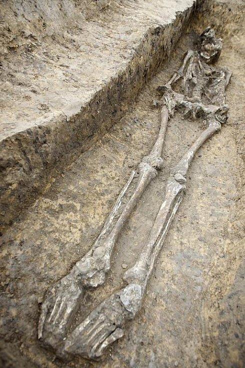 Archeologové v Mikulovicích odkryli hrob keltského muže