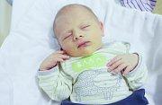 MARTIN ČÍŽEK se narodil 5. ledna v 18 hodin a 24 minut. Měřil 51 centimetrů a vážil 3640 gramů. Maminku Lucii podpořil u porodu tatínek Martin. Rodina bydlí v Čepí.
