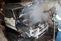 Požár v garáži ve Svítkově způsobila technická závada na vozidle