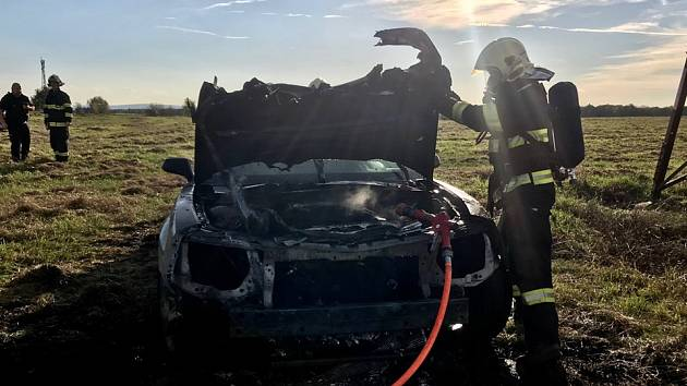 Požár auta v Srchu