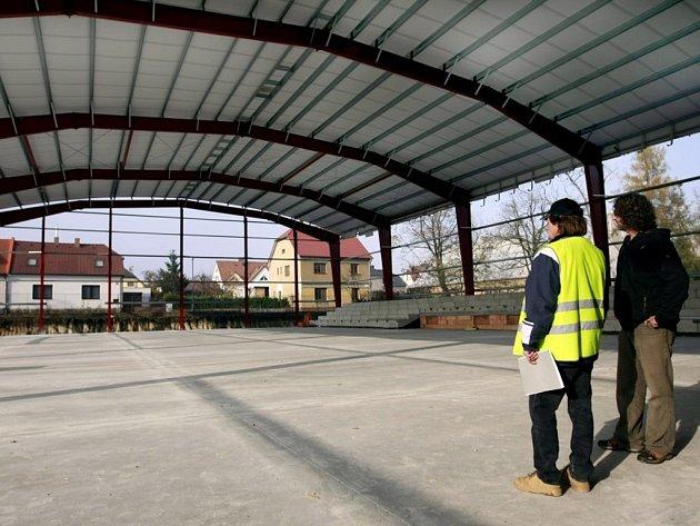Rozestavěná sportovní hala v Přelouči