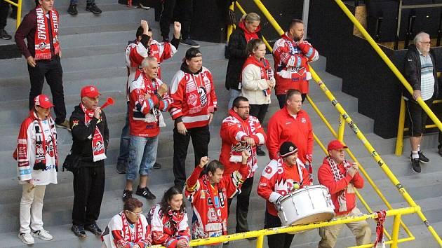 Skupinka nejvěrnějších pardubických fans se v Litvínově mohla radovat.